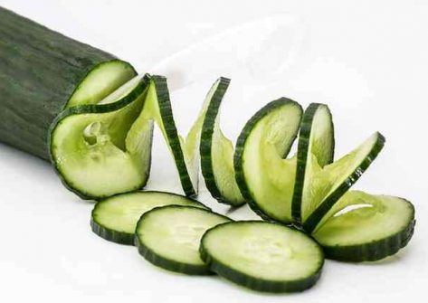 Cucumbers can be beneficial for weight loss and to reduce bloat