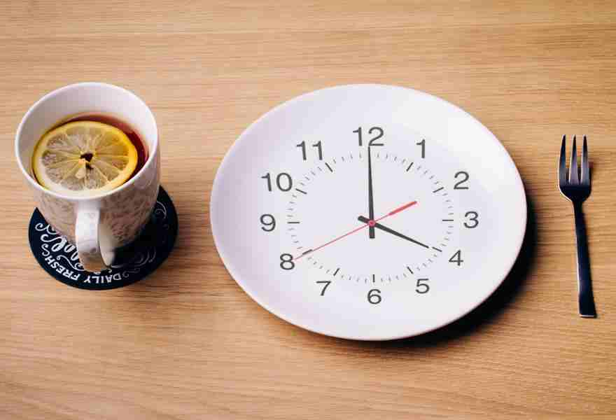 Intermittent Fasting 101: The Beginner's Guide to See Results